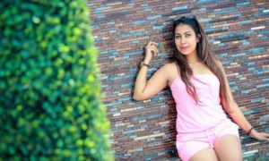 Jayani Alahapperuma Hot Pink Dress Photo Shoot
