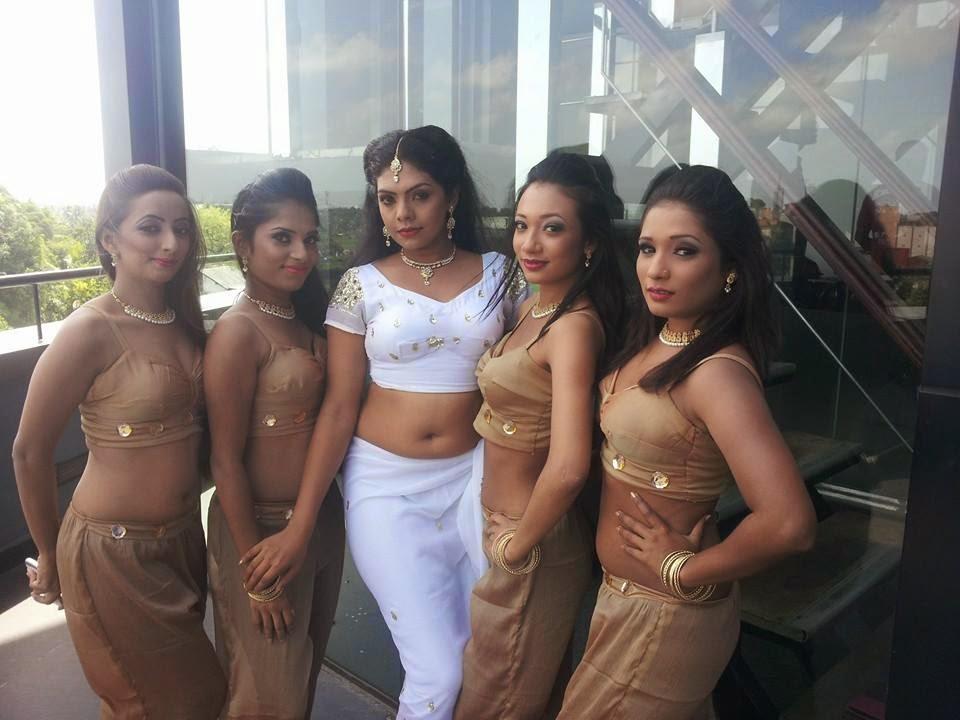 Nirosha Thalagala Hot Dance
