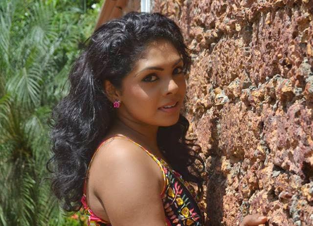Nirosha Thalagala Hot Poses