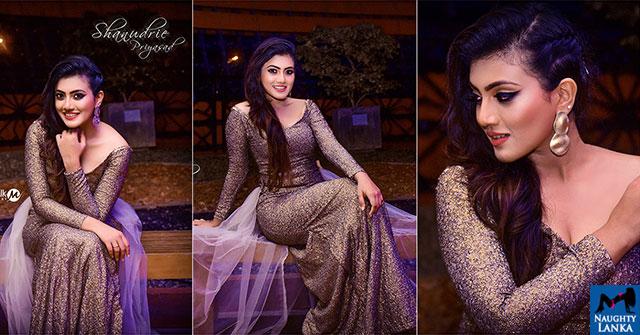 Shanudrie Priyasad Looks Gorgeous At Sumathi Awards