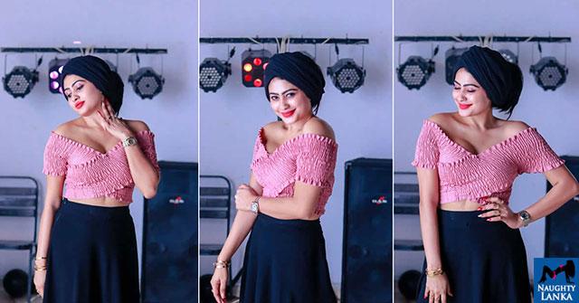 Piumi Hansamali Pink Top Photos