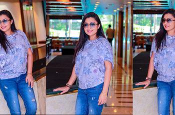 Srimali Fonseka Hot In Ripped Jeans
